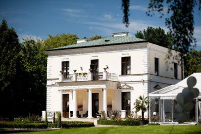 Spotkanie biznesowe z dala od miejskiego zgiełku -  Pałac Rozalin
