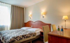 Pokój DBL Standard - łóżko małżeńskie