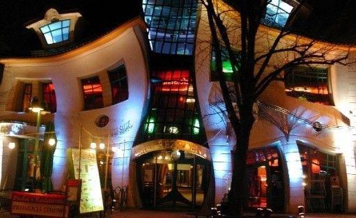Krzywy Domek - sala Konferencyjno - Widowiskowa