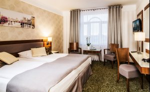 Hotel Lord **** Warsaw Airport Hotel **** / 1