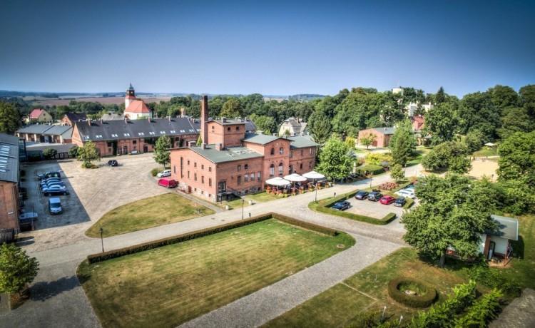 Obiekt szkoleniowo-wypoczynkowy Pałac Mierzęcin Wellness & Wine Resort / 0