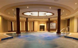 Pałac Mierzęcin Wellness & Wine Resort Obiekt szkoleniowo-wypoczynkowy / 0
