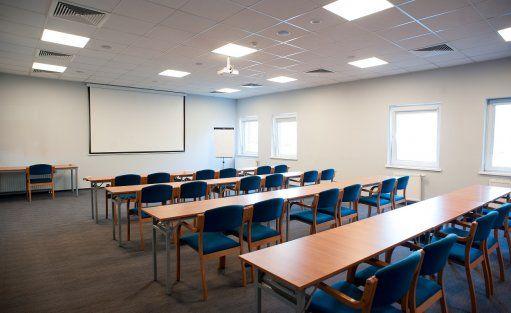 Sala Srebrna w ustawieniu szkolnym