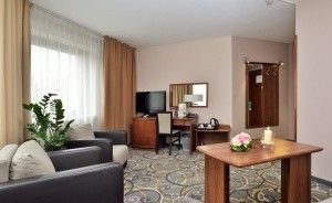 CITY HOTEL Hotel **** / 8