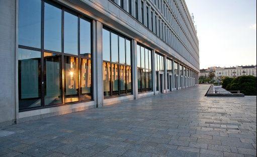 Inne Centrum Bankowo-Finansowe Nowy Świat S.A. / 2