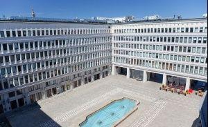 Centrum Bankowo-Finansowe Nowy Świat S.A. Inne / 1