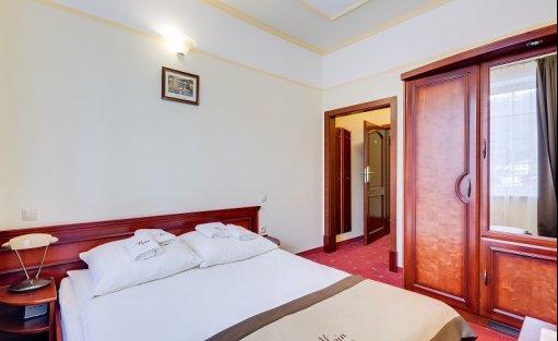 Hotel ** Alpin / 4