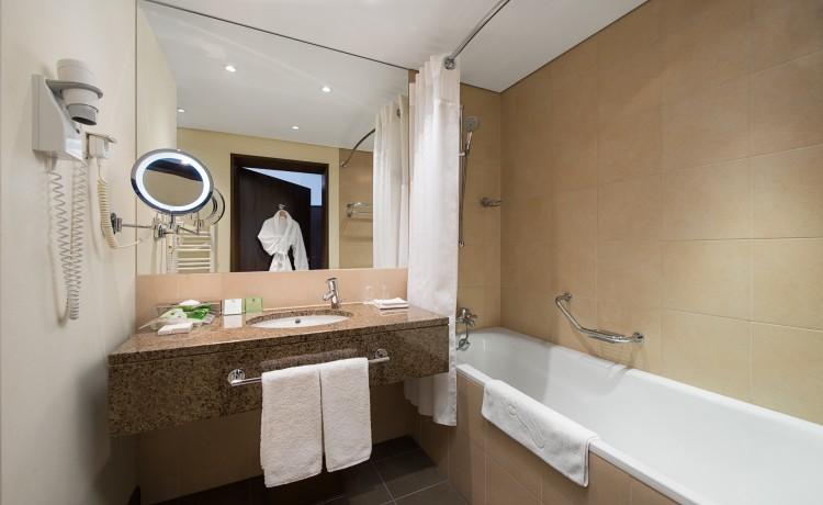 Hotel **** Holiday Inn Warszawa Józefów / 26