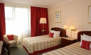 Crown Piast Hotel & Park Hotel ***** / 1