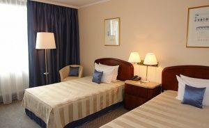 Crown Piast Hotel & Park Hotel ***** / 0
