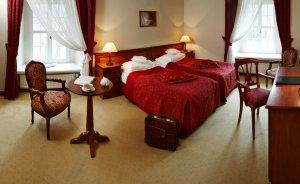 Hotel Zamek Na Skale **** Hotel **** / 0