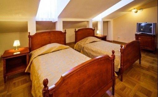 zdjęcie pokoju, Pałac Chojnata, Biała Rawska