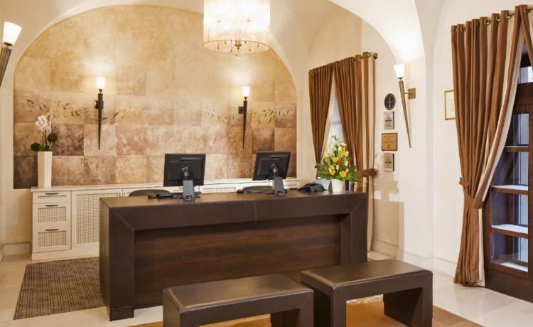 Hotel ***** Hotel Mamaison Le Regina Warsaw / 0