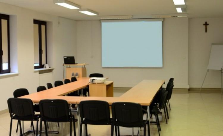 Centrum szkoleniowo-konferencyjne Lloyd Woodley English Language Centre / 0
