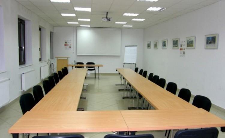 Centrum szkoleniowo-konferencyjne Lloyd Woodley English Language Centre / 5