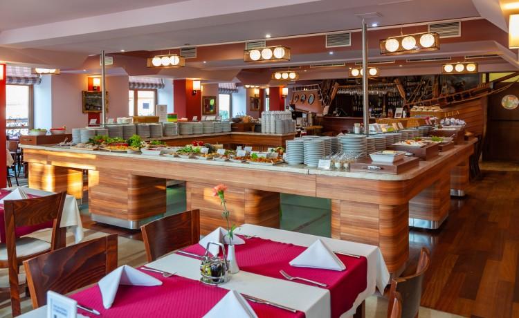 Hotel **** Hotel Robert's Port **** Lake Resort & SPA / 18