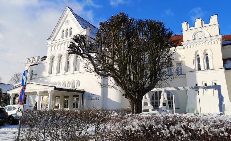 Hotel *** Pałac Łazienki II / 0