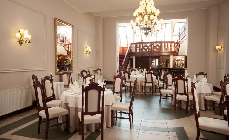 Hotel *** Pałac Łazienki II / 4