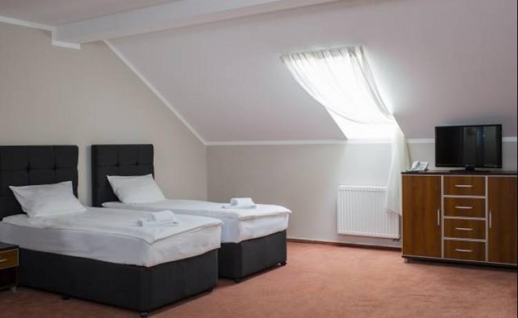 Hotel *** Pałac Łazienki II / 54