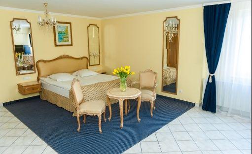 Hotel ** HIT** HOTEL / 7
