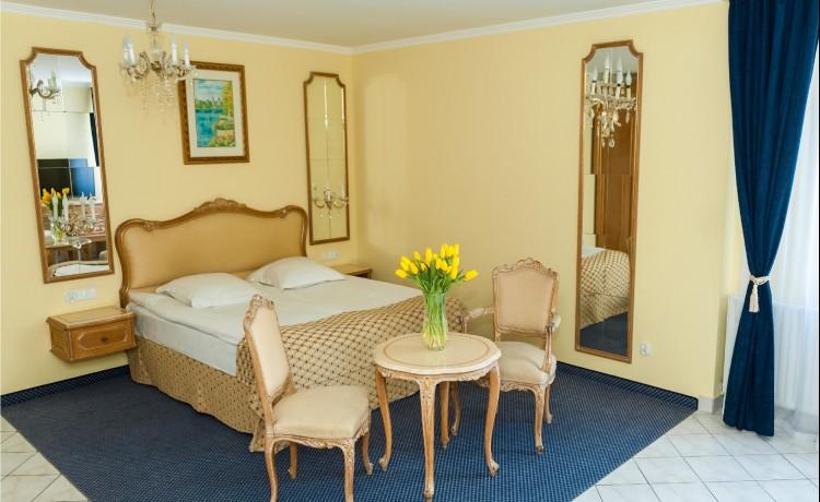 Hotel ** HIT HOTEL / 12