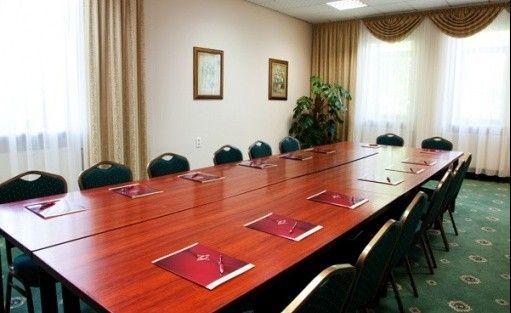 zdjęcie sali konferencyjnej, Centrum Szkoleniowo Wypoczynkowe Energetyk, Nałęczów