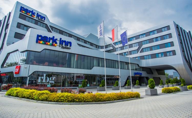 Hotel **** Park Inn by Radisson Krakow / 0