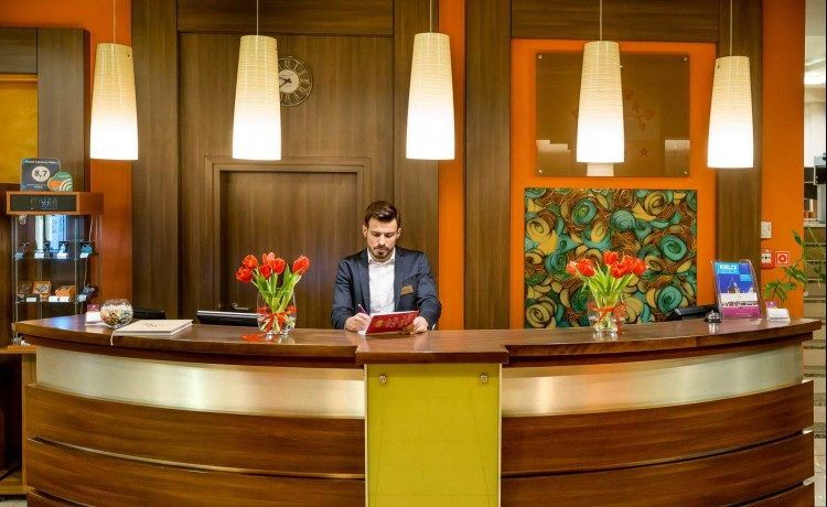 Hotel **** Hotel Tęczowy Młyn / 0