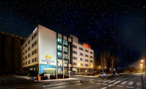 Hotel **** Hotel Tęczowy Młyn / 1