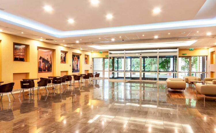 Hotel **** Qubus Hotel Legnica / 0