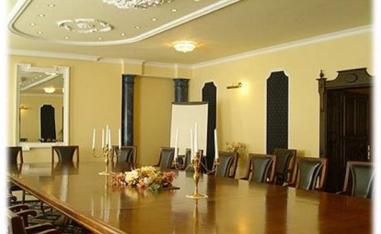 zdjęcie sali konferencyjnej, Zespół Pałacowo Parkowy, Runowo Krajeńskie
