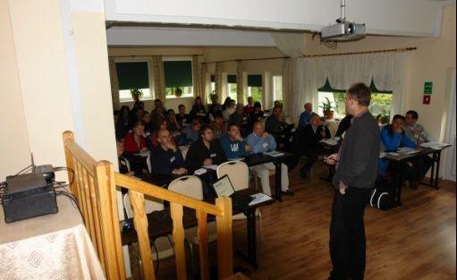 zdjęcie sali konferencyjnej, Kompleks Wypoczynkowo- Konferencyjny Mazur-Syrenka Sp. zo. o, Krutyń