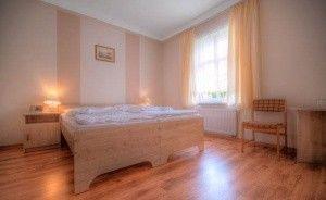 zdjęcie pokoju, Kompleks Wypoczynkowo- Konferencyjny Mazur-Syrenka Sp. zo. o, Krutyń