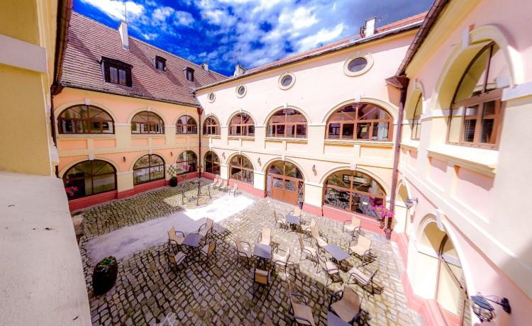 Pałace, dworki, zamki Pałac Krobielowice / 15