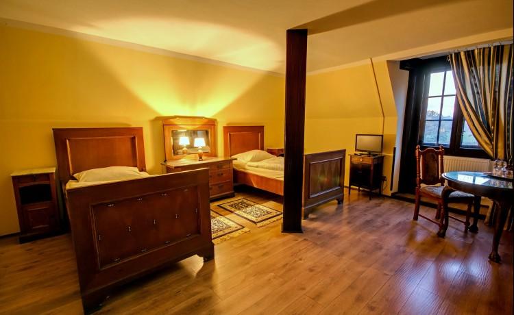 Pokój Comfort w położonym koło autostrady A4 i Kątów Wrocławskich Pałacu Krobielowice