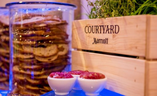 Hotel **** Courtyard by Marriott Warsaw Airport / 10