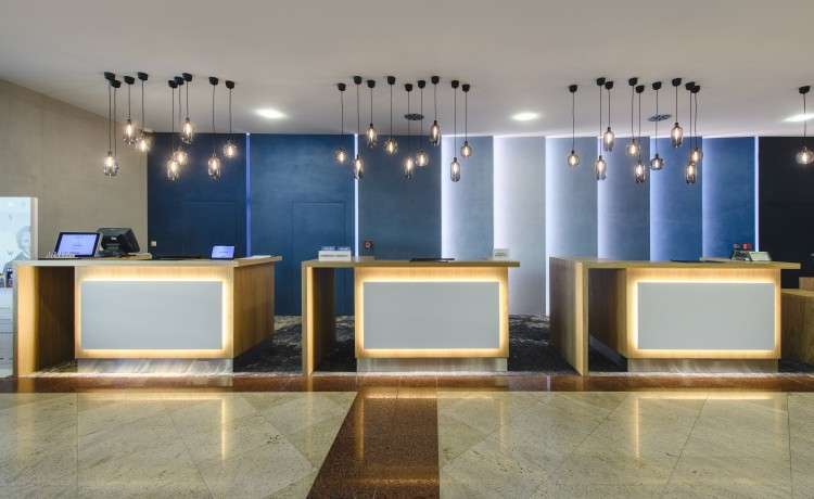 Hotel **** Courtyard by Marriott Warsaw Airport / 2
