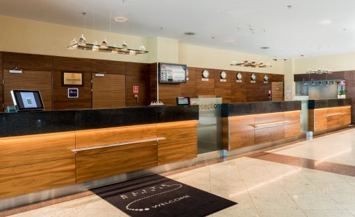 Hotel **** Courtyard by Marriott Warsaw Airport / 3