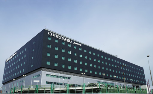 Hotel **** Courtyard by Marriott Warsaw Airport / 0
