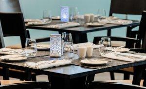 Stół obiadowy