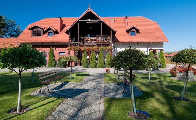 Hotel *** Hotel Osada Karbówko Wellness & Spa / 1
