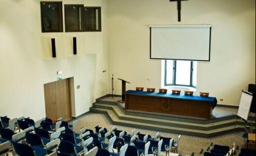zdjęcie sali konferencyjnej, Centrum Kulturalne Ojców Barnabitów, Warszawa
