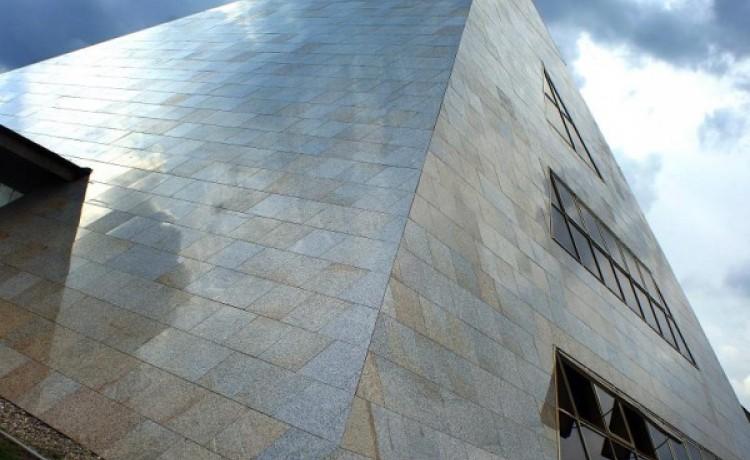 zdjęcie obiektu, Piramida Horusa, Łagów