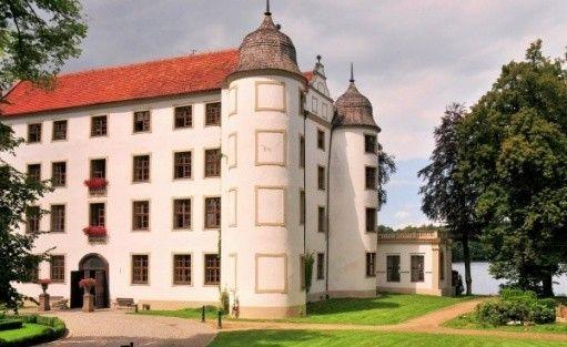 zdjęcie obiektu, *** Hotel Podewils - XV-wieczny Zamek Rycerski w Krąg, Polanów