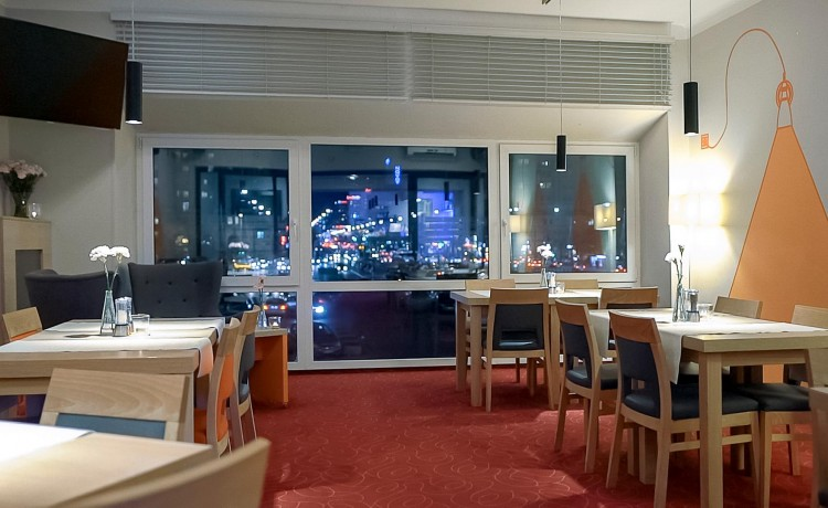 Hotel *** Hotel MDM City Centre / 2