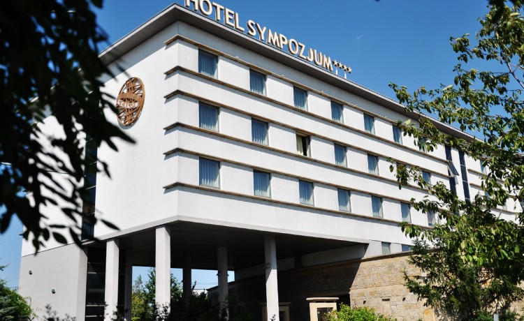 Hotel **** Hotel Sympozjum **** / 0