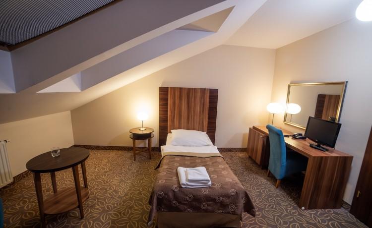 pokój attic - jednoosobowy na poddaszu