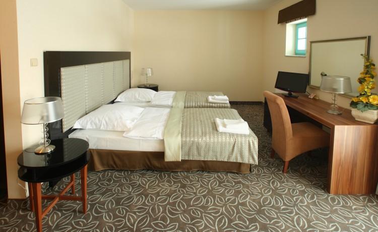 Hotel *** Hotel Cyprus / 2