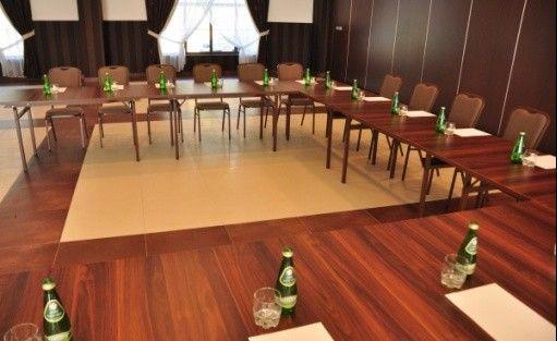 zdjęcie sali konferencyjnej, Centrum Konferencyjno-Bankietowe Dwór Dwikozy, Sandomierz
