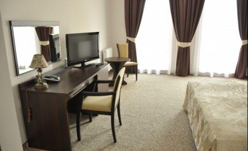 zdjęcie pokoju, Centrum Konferencyjno-Bankietowe Dwór Dwikozy, Sandomierz